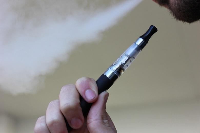 fumer huile CBD avec cigarette électronique