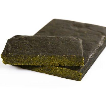 deux morceaux légale Haschisch Gorilla Glue de cbd à 20%