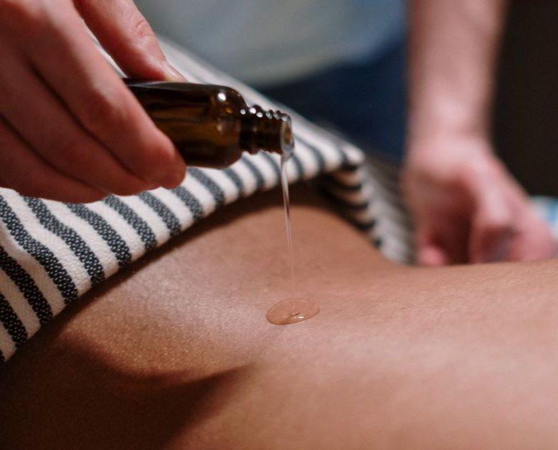 Huile de chanvre et propriétés cosmétiques pour le corps.