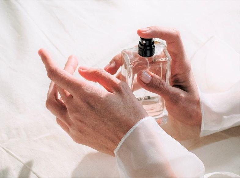 Parfum de chanvre pulvérisé à la main